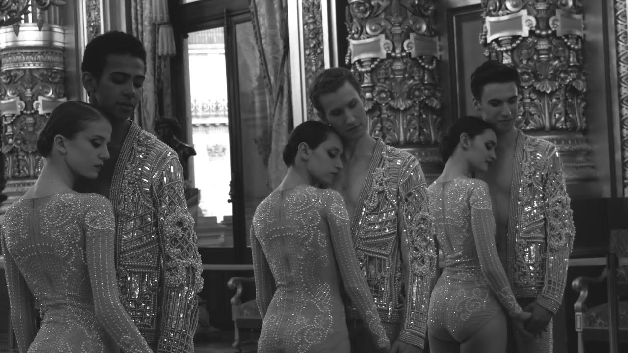 Renaissance - Balmain à l'Opéra Garnier, par Julien Benhamou - Normal Magazine