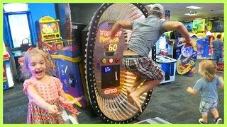 FATHER BEATS CHUCK E. CHEESE RECORD!!