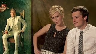 Repeat youtube video 'Catching Fire' Cast React to Portraits