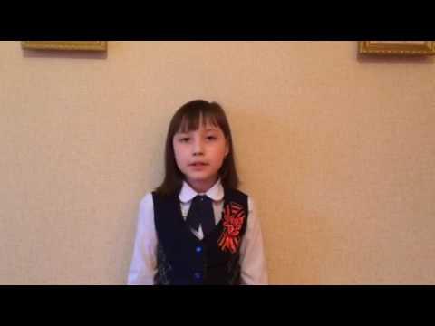 Изображение предпросмотра прочтения – ЭлинаСеменова читает произведение «Девочка, прошедшая войну» Т.Е.Лавровой