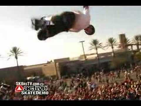 Tony Hawk Skating At The Active Skateboard Demo