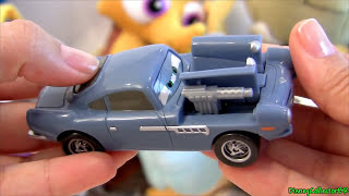 Quick Changers Finn McMissile Pop Out Weapons Cars 2 Disney Pixar spy toy review