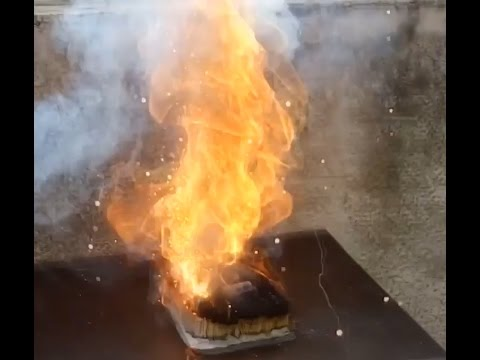Battery Fire Test- Li-ion vs AA battery   Battery set on Matchstick bed
