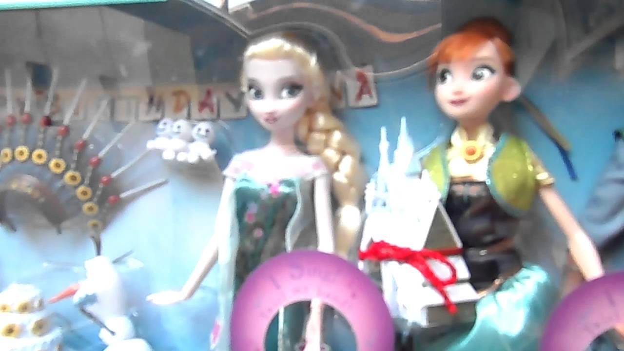 Regali Di Natale Frozen.Scartiamo I Regali Di Natale Di Frozen By Lara E Babou