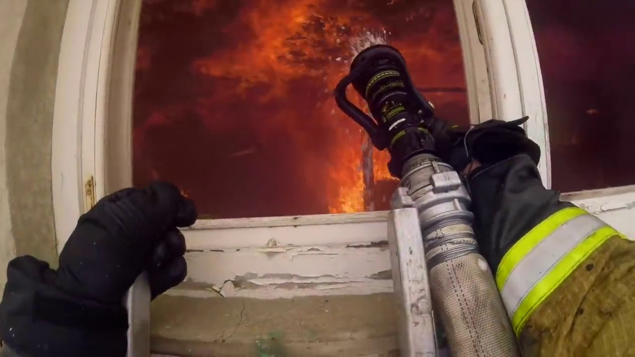 Download DUTCH FIREFIGHTERS  *** SPECIAL *** RUSSIA 01 - FIRE IN AN EMPTY GARAGE COMPLEX