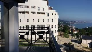 Как купить квартиру бизнес-класса в Сочи, с панорамным видом на море и горы.