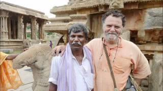 Le touriste, l'indien et l'appareil photo.