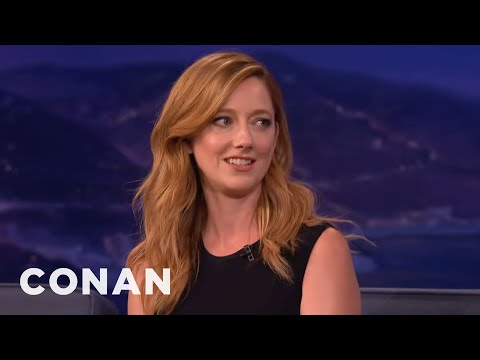 "Judy Greer: The ""Archer"" Cast's Filthy Sign Language Live s   CONAN on TBS"
