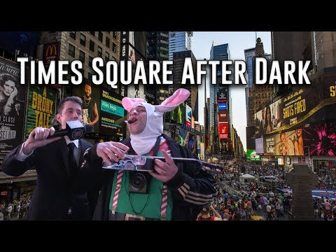 What Goes On In Times Square At 12:30 In The Morning? - Things You Missed