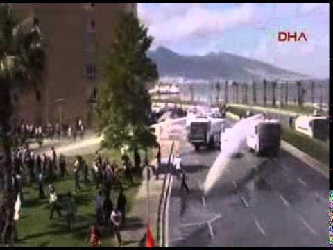 İzmir police intervene as thousands protest Soma mine disaster