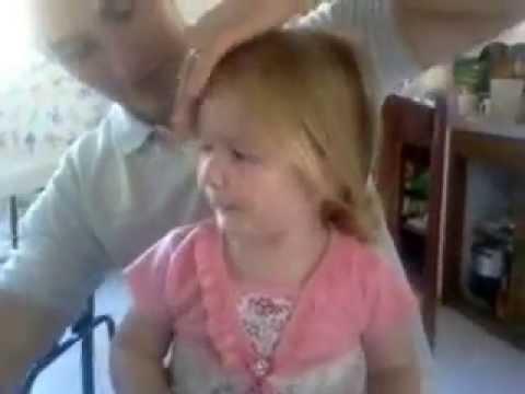 un papÁ aprendiendo a peinar a su hija - youtube