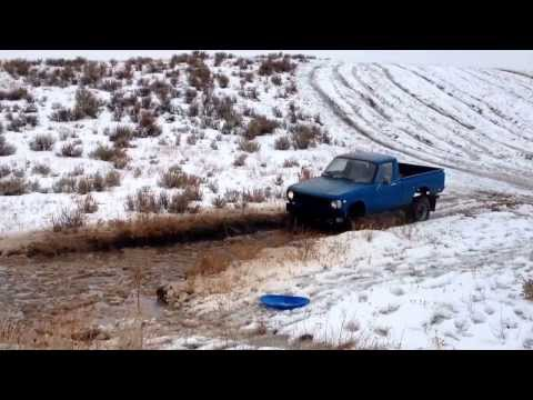 Chevy luv 4x4 snow - YouTube