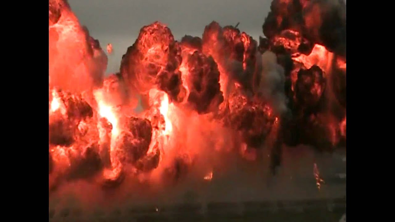 quotHUGE NAPLAM EXPLOSION AT AIRSHOWquot YouTube