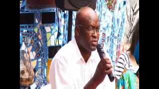 Debat en Commun Achille Mbembe