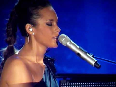 Alicia Keys  - Pray For Forgiveness - The Freedom Tour 2010