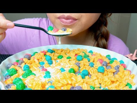 ASMR Quaker Cap'N Crunch 'Crunch Berries' Cereal 먹방 *No Talking* Eating Sounds suellASMR