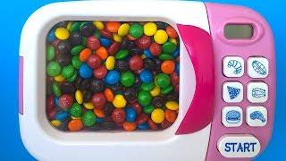 Мікрохвильова піч м&м шоколад сюрприз іграшки соди