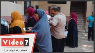 تموين الجيزة تفحص مستندات المتقدمين لتسجيل المواليد الجدد للتأكد من صحتها