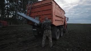 Трактор Кировец с тандемом из дискатора и сеялки. Продолжение сева.