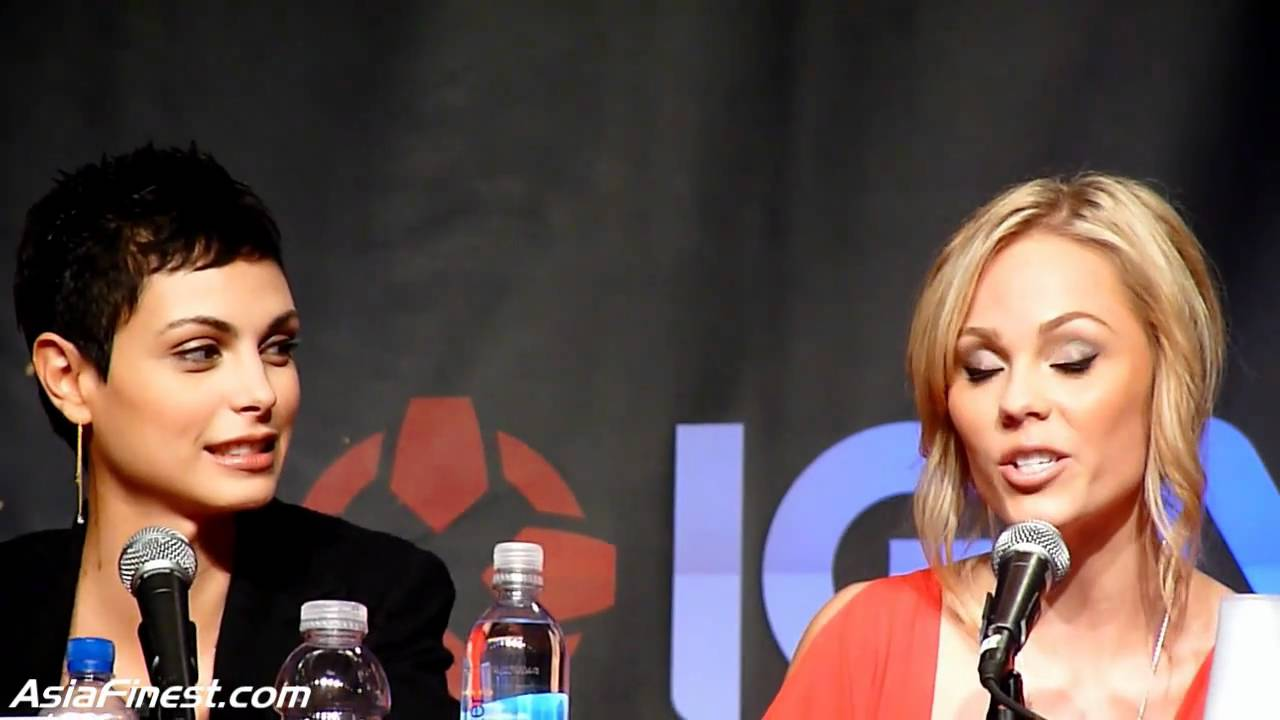 V TV Series Q&A with Morena Baccarin, Laura Vandervoort, and Jane Dadler at  NY Comic Con