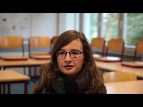 Adrienne - Studium