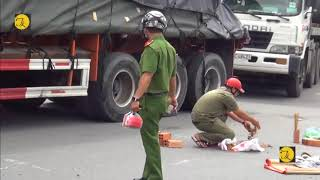 TPHCM, xe tải nặng va chạm với xe đạp, người phụ nữ bán vé số tử vong