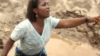 Download Christina Shusho   Kitu gani MP3 song and Music Video