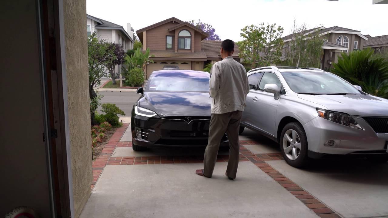 Tesla Summon Feature - YouTube