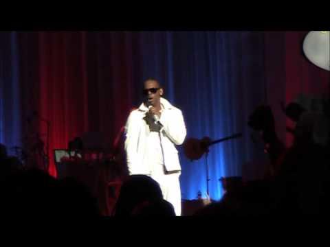 R Kelly   Feelin on yo Booty  Live 2012