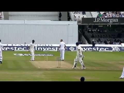 Broad bowling to Vijay and Dhoni at Lord's 2014
