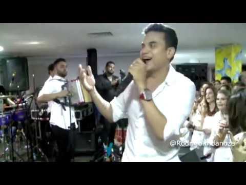 Te Quiero Porque Te Quiero (En Vivo) - Silvestre Dangond & Lucas Dangond