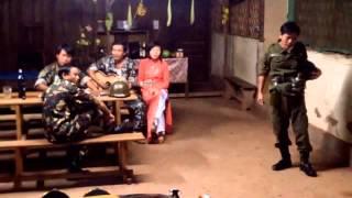 TRANG TAN TREN HE PHO-Phuc Quang