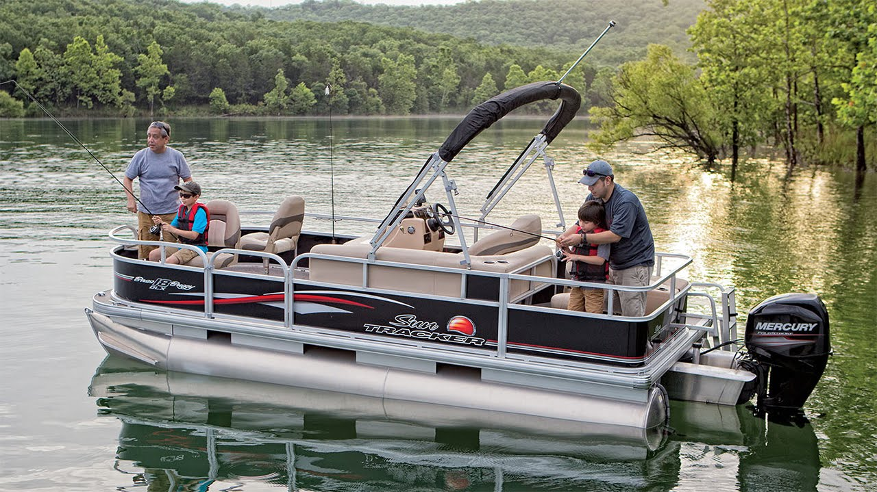 Sun tracker boats 2016 bass buggy 18 dlx fishing pontoon for Best fishing pontoon boat