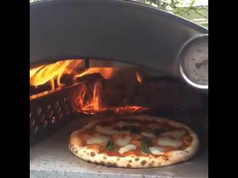 Pizza napoletana nonno lillo pizza oven youtube for Edil planet forni