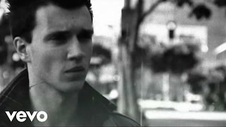 Watch Frankmusik The Fear Inside video
