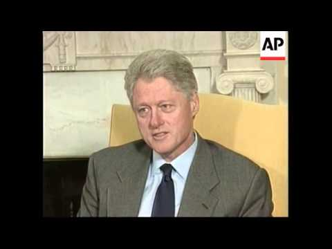 USA: PRESIDENT WAHID MEETS PRESIDENT CLINTON