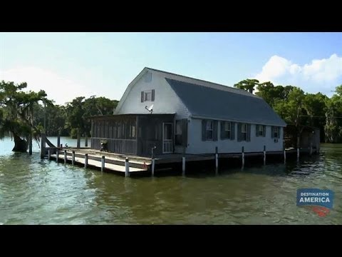 Floating Barn House | Buying the Bayou