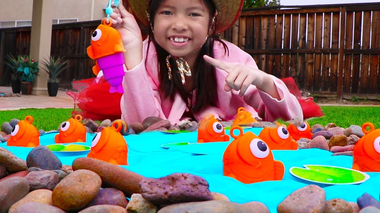 Pretend Play Fishing Camping Toys With Wendy Family Fun