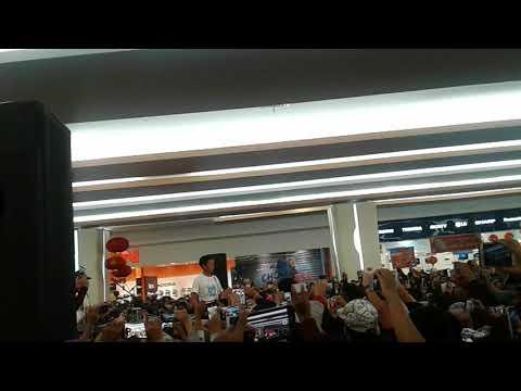 Bayu Skak WTB - Ojo Bolos Pelajaran Live | Premier Film Yowis Ben at Malang Town Square