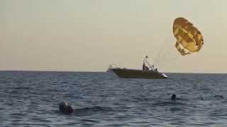 Парашют над морем. Развлечения в Лазаревском. Июль 2015. Lazarevskoe SOCHI RUSSIA(Полет на парашюте - одно из развлечений на море в Лазаревском. Сейчас, в июле, когда море очень теплое и вечер..., 2015-07-24T19:00:53.000Z)
