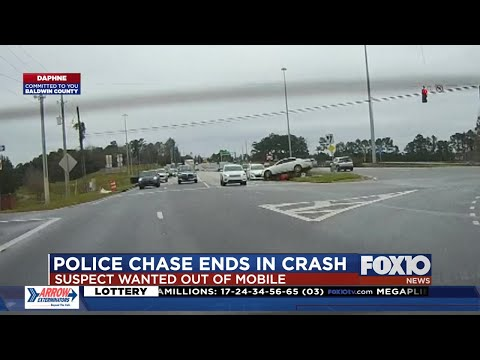 Video shows crash that ended high-speed chase in Daphne
