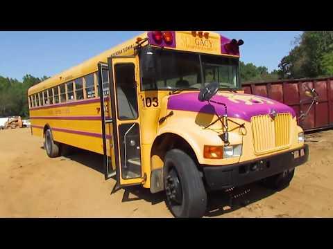 SCRAPPED SCHOOL BUS 2001 International