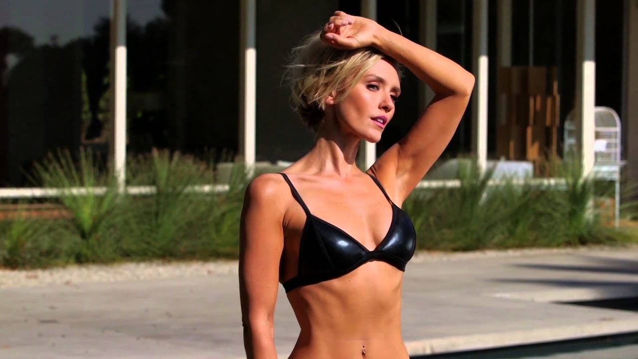 picture Nicky Whelan