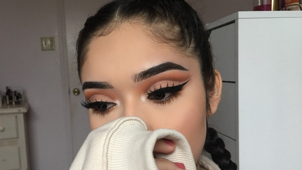 How to Master the Perfect Cut Crease - The Trend Spotter
