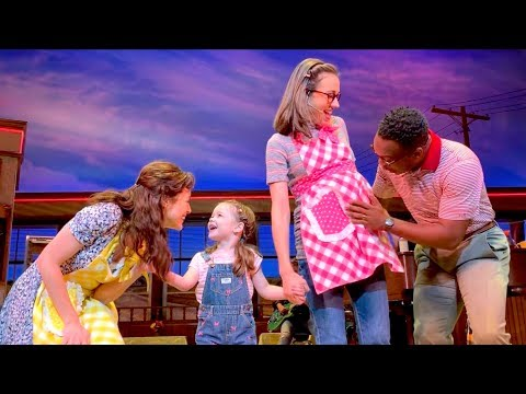 Watch Colleen Ballinger Make Her Broadway Debut in Waitress
