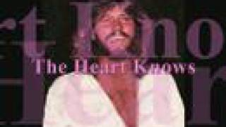 Barry Gibb & Olivia Newton-John - The Heart Knows (NEW DUET)