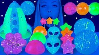 ASMR EDIBLE GLOW IN THE DARK STARS, GLOW IN THE DARK PAINT, MOON CANDY, SPACESHIP MUKBANG 먹방 꿀벌