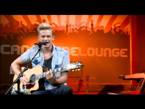 "Cody Simpson interview and ""Pretty Brown Eyes"" live performance"