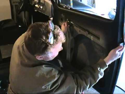 Install VW bug door poppers #488