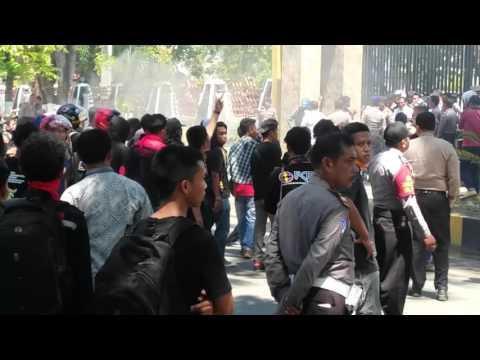 Demo Mahasiswa Teknik USN